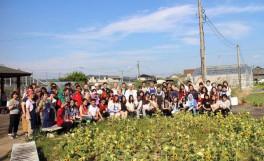 農学部短期留学生がうどん製造実習を体験