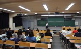 「卒業後の進路を考えるために」、「後期就職活動スタートガイダンス」及び「公務員説明会」の開催