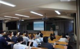 就職ガイダンス「インターンシップエントリーシート対策講座」を開催